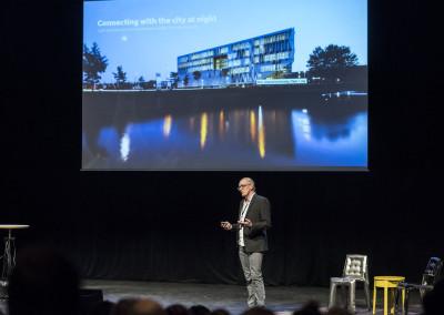 Peter Koch från Henning Larsen Architects föreläser om SDU Campus Kolding