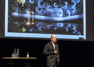 Dirk Zimmermann från Studio505 föreläser om sina spektakulära metallfasader