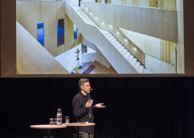 Erik Andersson från Fredblad Arkitekter föreläser om Landvetters kulturhus